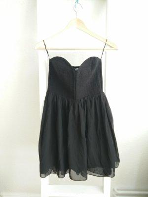 Schwarzes Kleid, trägerlos (H&M), Party, trägerlos