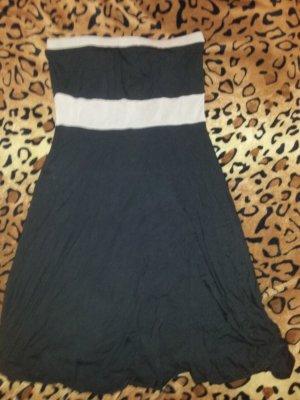 schwarzes Kleid von Castro