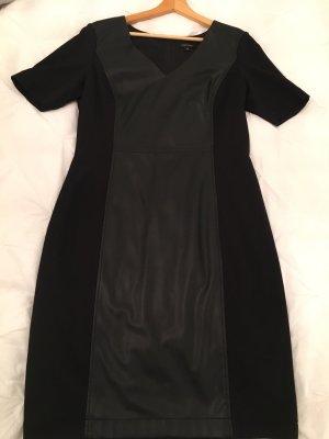 Schwarzes Kleid von Comma