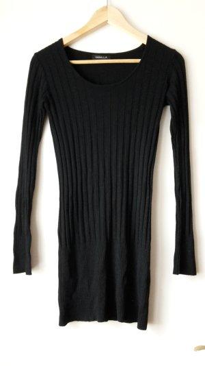 schwarzes Kleid von Daniel Stern