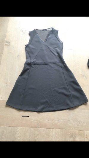 Schwarzes Kleid von Karl Lagerfeld