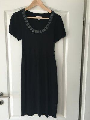 Schwarzes Kleid von Laurel mit Verzierung am Ausschnitt Gr 36