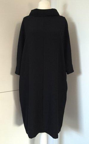 Schwarzes Kleid von Marc Cain / Gr. N6 = DE 44 (Top-Zustand, ungetragen)