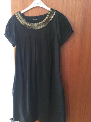 Schwarzes Kleid von Massimo Dutti