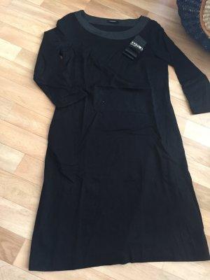 Schwarzes Kleid von Max & Co.