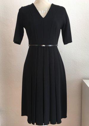 Schwarzes Kleid von Max Mara Studio