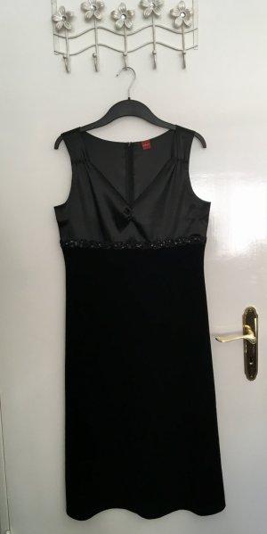 Schwarzes Kleid von Olsen