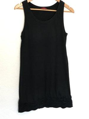 Schwarzes Kleid von Prada