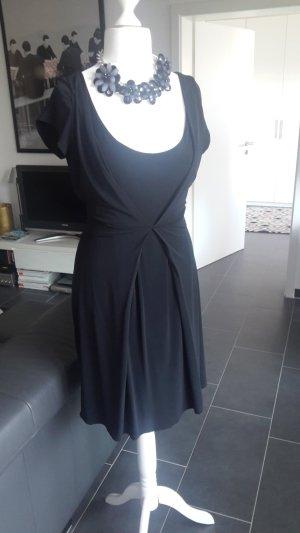 schwarzes Kleid von René  Lezard