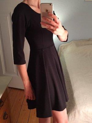 Schwarzes Kleid von Rich & Royal, ungetragen
