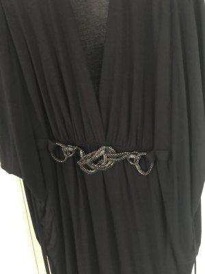 Schwarzes Kleid von SET im Fledermaus Look