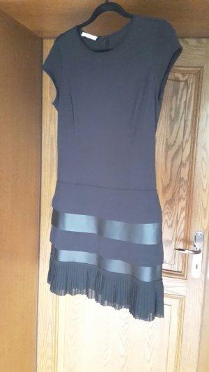 Schwarzes Kleid von Stefanel