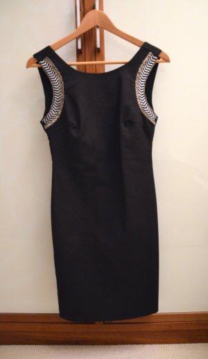 Schwarzes Kleid von Zara mit Stickerei, Größe M, entspricht deutscher Größe S