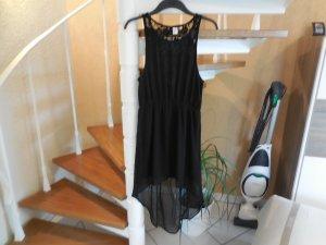 Schwarzes Kleid vorne kurz hinten lang mit Spitzeneinsatz am Rücken von H&M