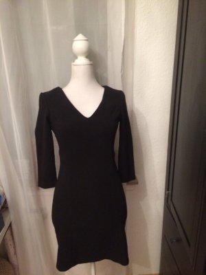 Schwarzes Kleid Zara mit V-Ausschnitt fester Stoff
