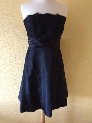 Schwarzes Kleid - zero-