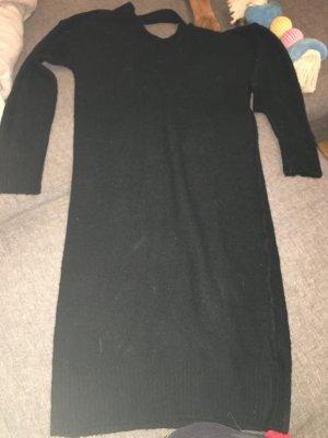 Schwarzes knielanges Strickkleid
