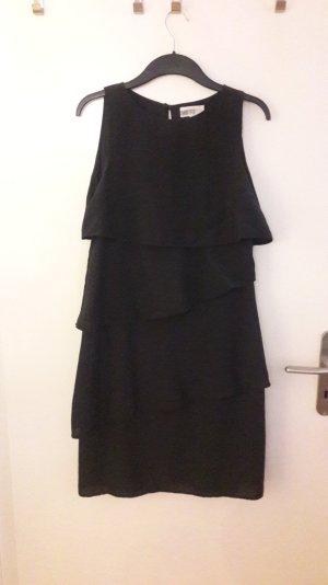 Schwarzes knielanges Volantkleid von PierOne in Größe M