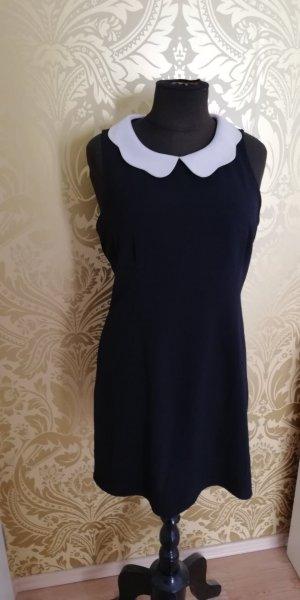 Schwarzes Kurzes Cocktail Kleid mit weißem Kragen