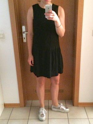 Schwarzes kurzes Kleid Größe S von Mango