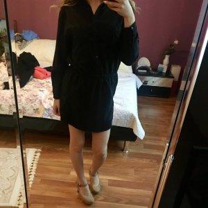 Schwarzes kurzes Kleid Mango