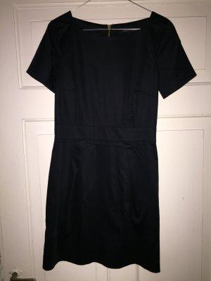 Schwarzes kurzes Kleid von French Connection