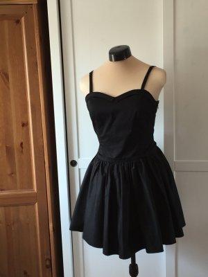 schwarzes kurzes schickes Kleid von Silvian Heach, Grösse 40/M