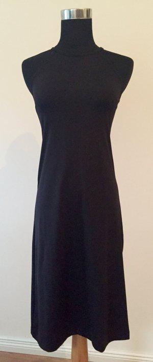 Schwarzes, kurzes Sommerkleid