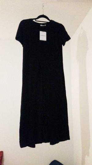 schwarzes langes kleid mit Schlitz vorne