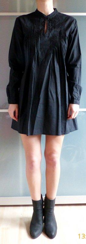 schwarzes lockeres Blusenkleid mit Knopf am Hals von Vero Moda Größe M
