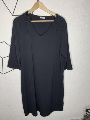 Schwarzes luftiges Kleid