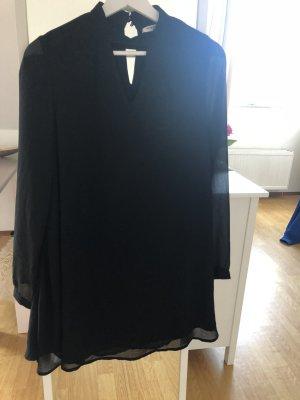 Schwarzes luftiges Kleid von Glamorous