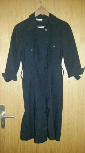Schwarzes Mantelkleid von Comma