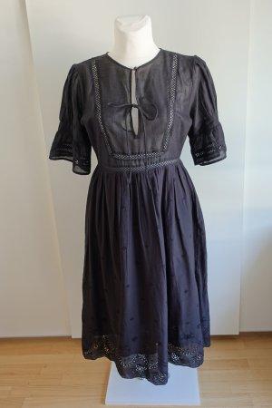 Schwarzes Midi-Kleid mit Lochspitze