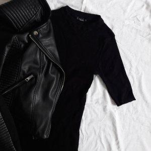 Schwarzes Minikleid Bershka