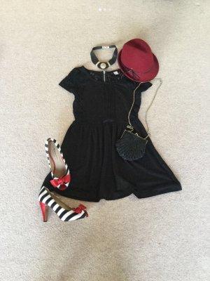 Schwarzes Minikleid Größe M