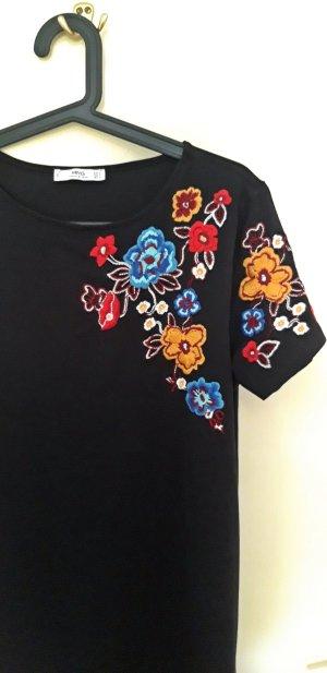 Schwarzes Minikleid mit bunter Blumenstickerei