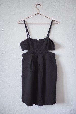 Schwarzes Minikleid mit Cut-Outs von Urban Outfitters