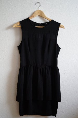 schwarzes Minikleid mit langem Reißverschluss