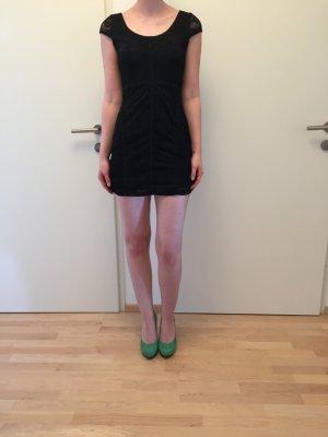 Schwarzes Minikleid mit Spitze (letzter Preis)