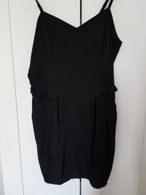 Schwarzes Minikleid mit Taschen