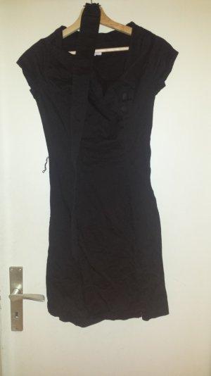 Schwarzes Neues Kleid