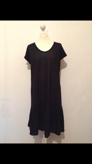 Schwarzes neues Kleid von COS