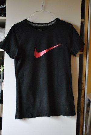 schwarzes Nike T-shirt in gutem Zustand