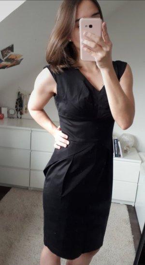 Schwarzes Orsay Kleid mit Schleifenband