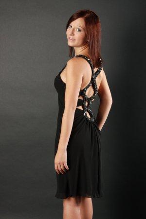Schwarzes Pailettenkleid mit Rückenaussschnitt