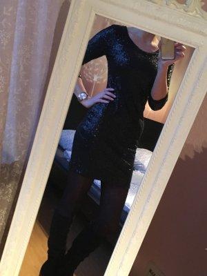 schwarzes Paillettenkleid, sehr elegant