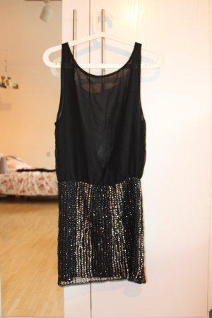 Schwarzes Partykleid mit Pailetten von Bershka Größe S