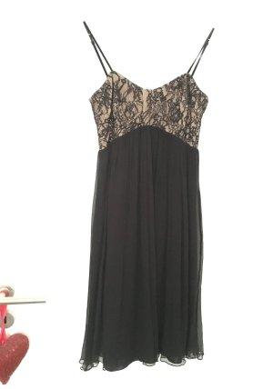 Schwarzes Plissee Kleid von Mango