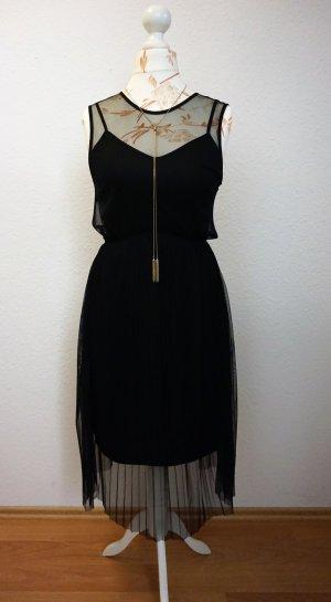 schwarzes Plisseekleid, Midikleid von Mango, neuwertig